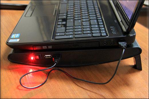 Охлаждающий столик для ноутбука